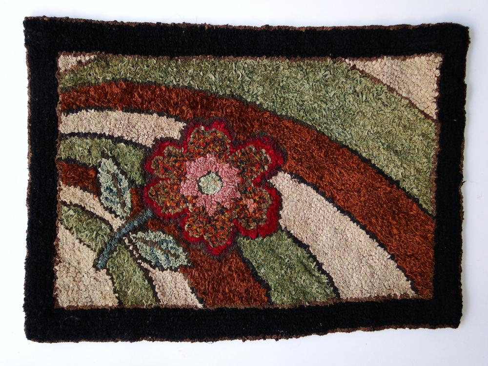 C. 1900 SMALL FLORAL HOOKED RUG