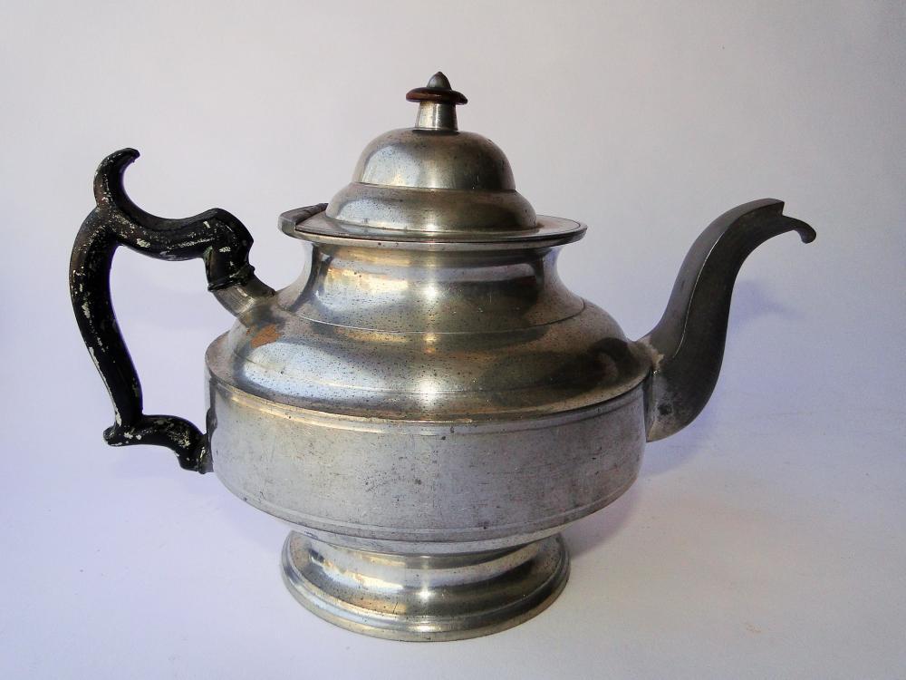18TH C J. DANFORTH PEWTER TEA POT