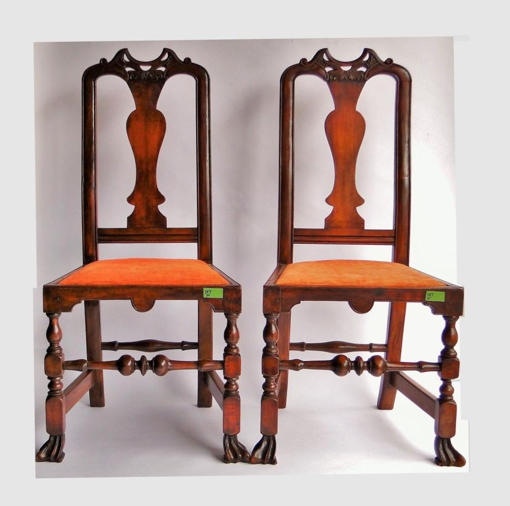 C 1725 VERY RARE PAIR 18TH C CARVED JOHN GAINES SIDE CHAIRS