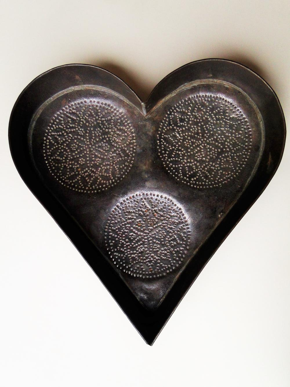 19TH C HEART FORM CHEESE STRAINER