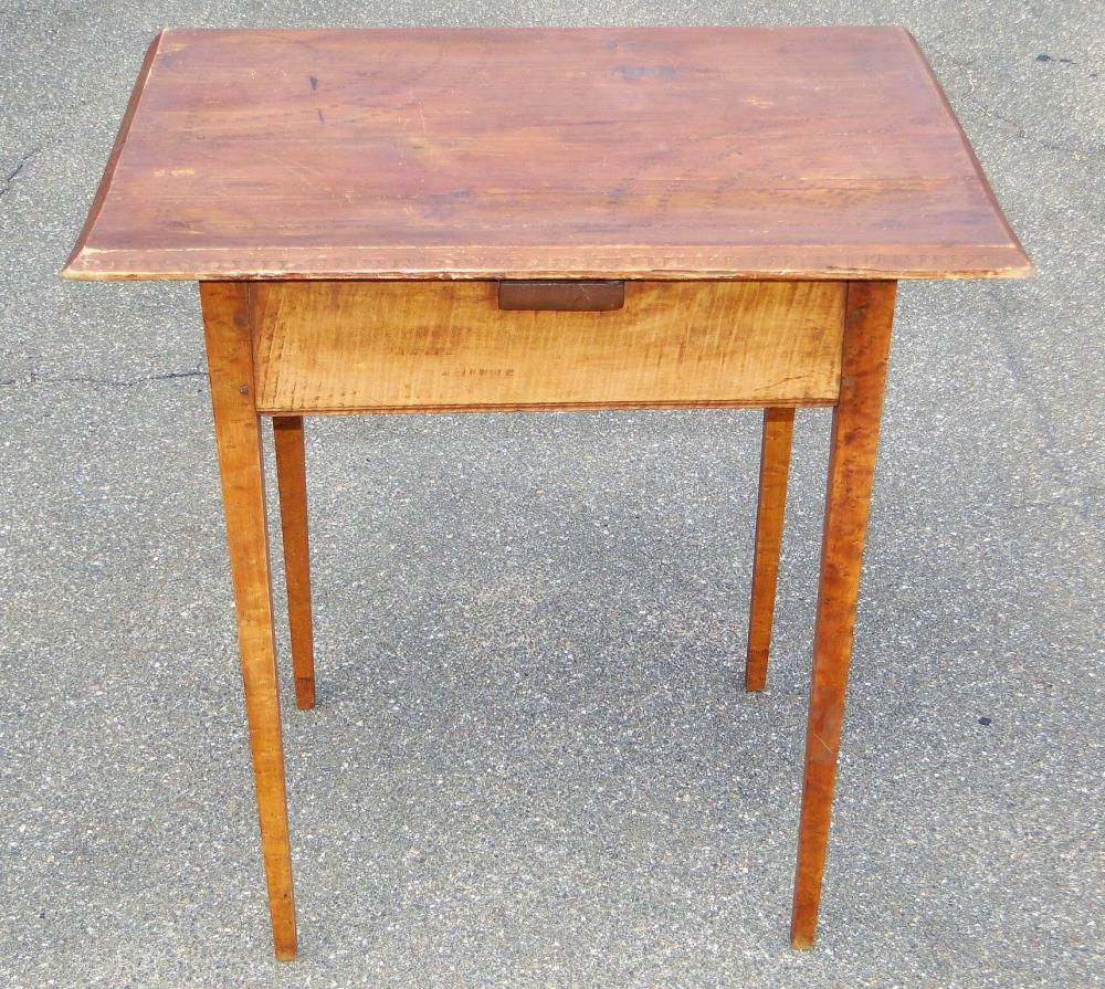 EARLY TIGER MAPLE TABLE TAVERN TABLE