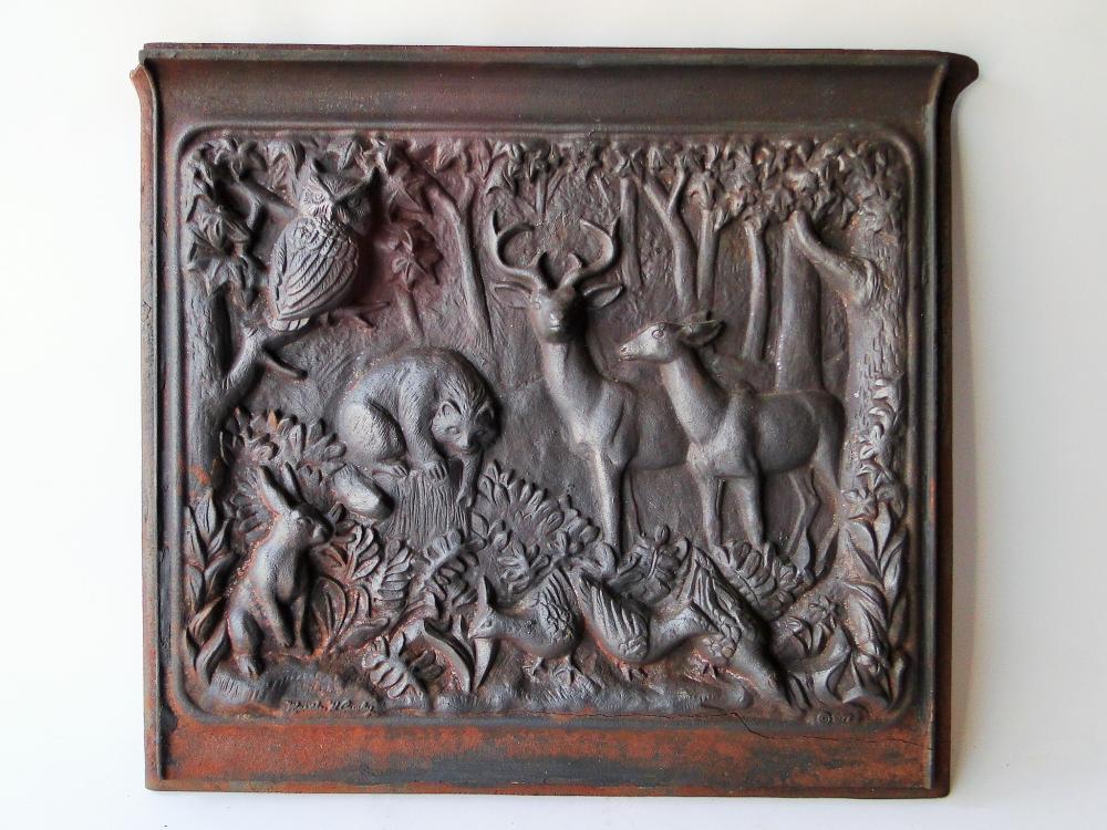 19TH C IRON FIRE DOOR DEPICTING ANIMALS
