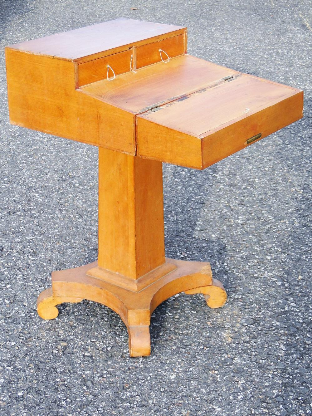 C 1820 FOLD OPEN WORKSTAND