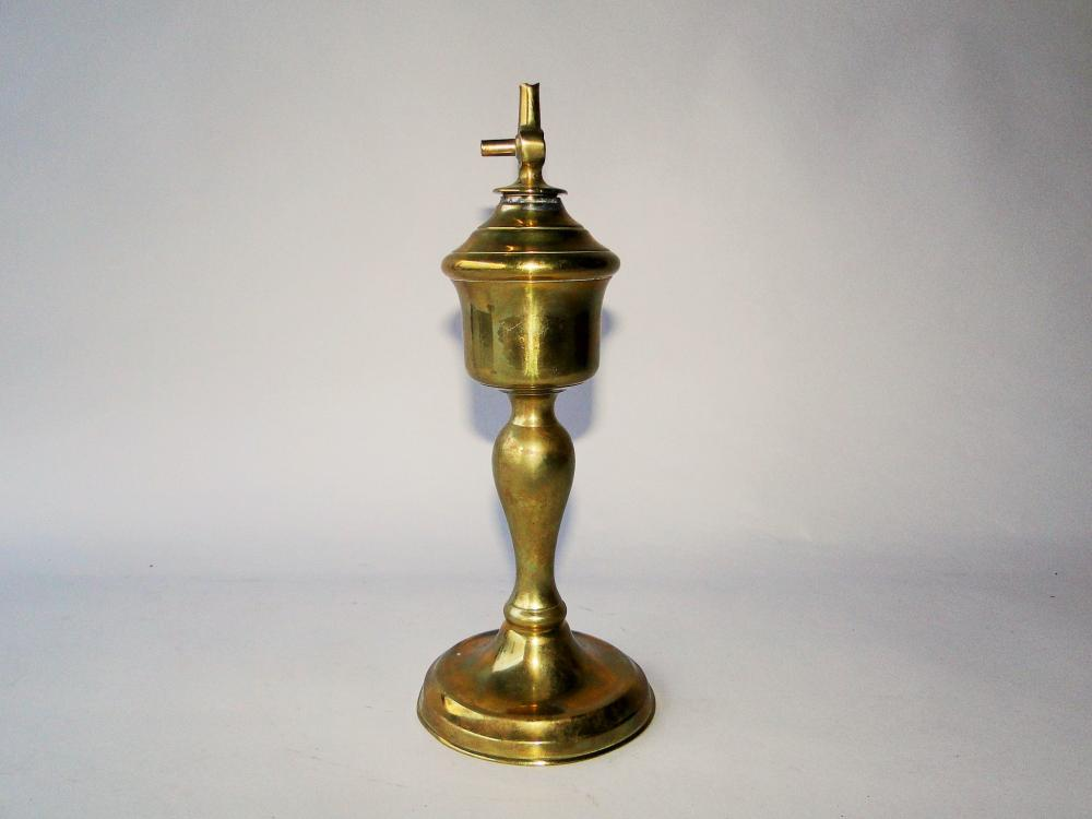 EARLY 19TH C BRASS WHALE OIL LAMP