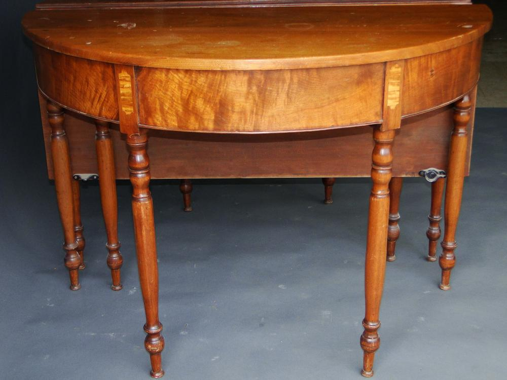 EARLY 19TH C SHERATON TWO PART DINING TABLE