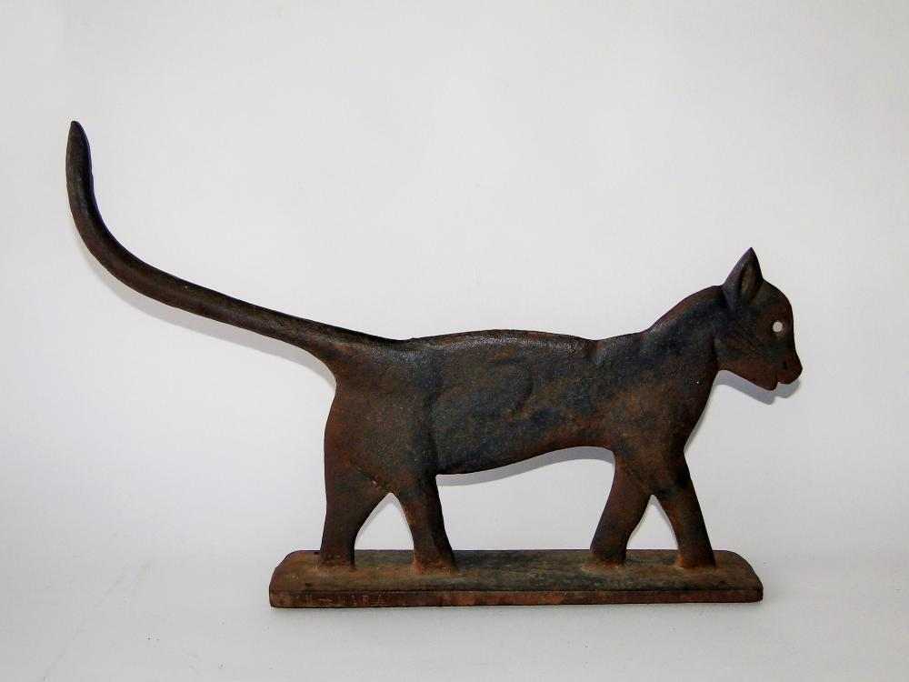 C.1900 CAT FORM BOOT SCRAPER