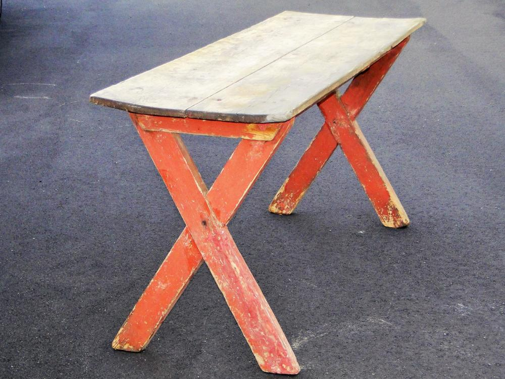 EARLY PERIOD SAWBUCK TABLE