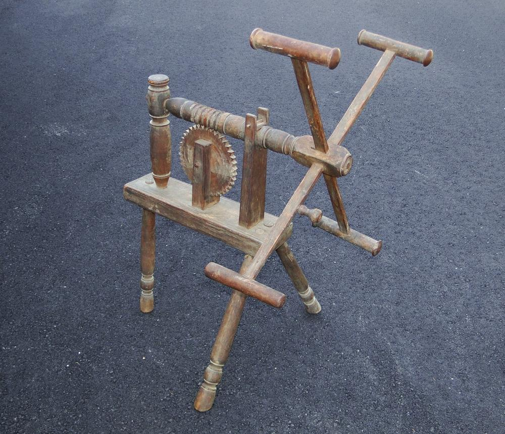 EARLY COUNTRY YARD WINDER