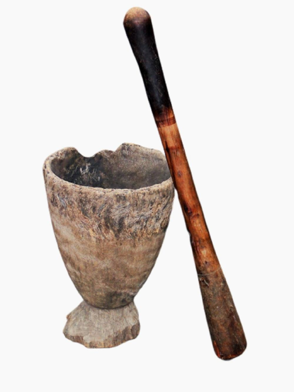 18TH C LARGE MORTAR AND PESTLE