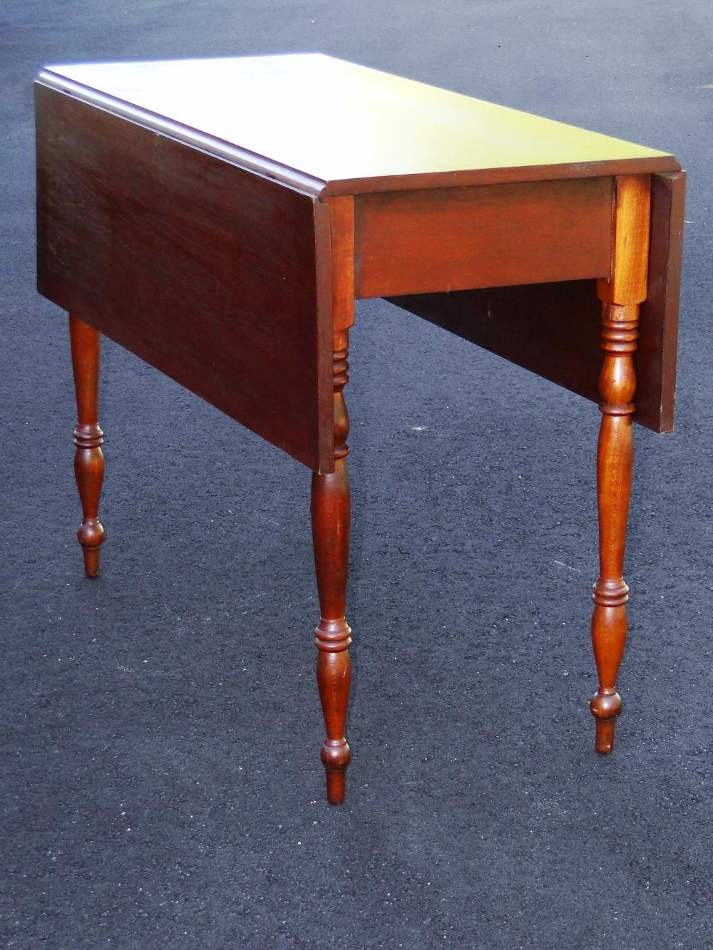 SHERATON PERIOD DROPLEAF TABLE