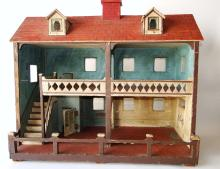 Lot 5: 19TH C VICTORIAN DOLL HOUSE