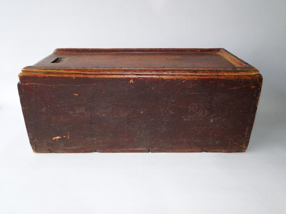 Lot 15: EARLY LARGE SLIDE LID BOX