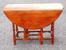 Lot 60B: WILLIAM AND MARY GATELEG TABLE