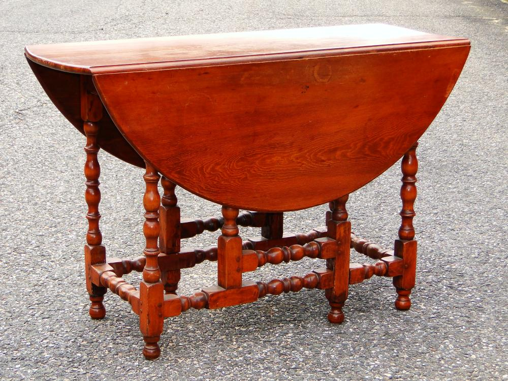 WILLIAM AND MARY GATELEG TABLE