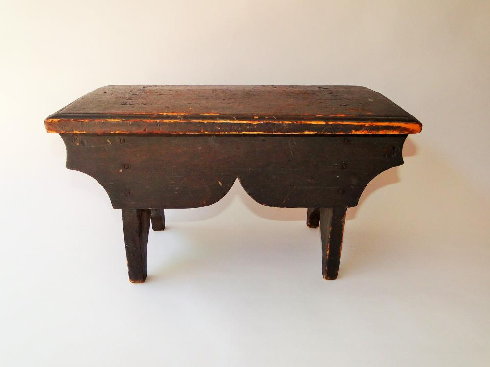 18TH C GRAY PAINTED FOOTSTOOL