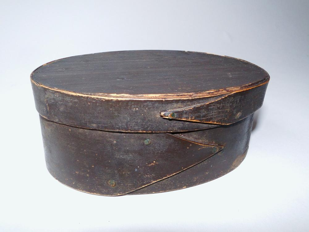 Lot 86: C. 1840 OVAL PAINTED PANTRY BOX