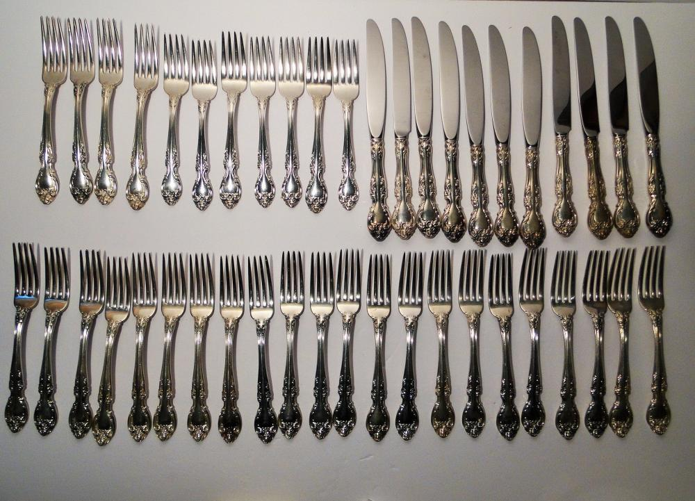 Lot 100: LARGE GORHAM STERLING FLATWARE SET