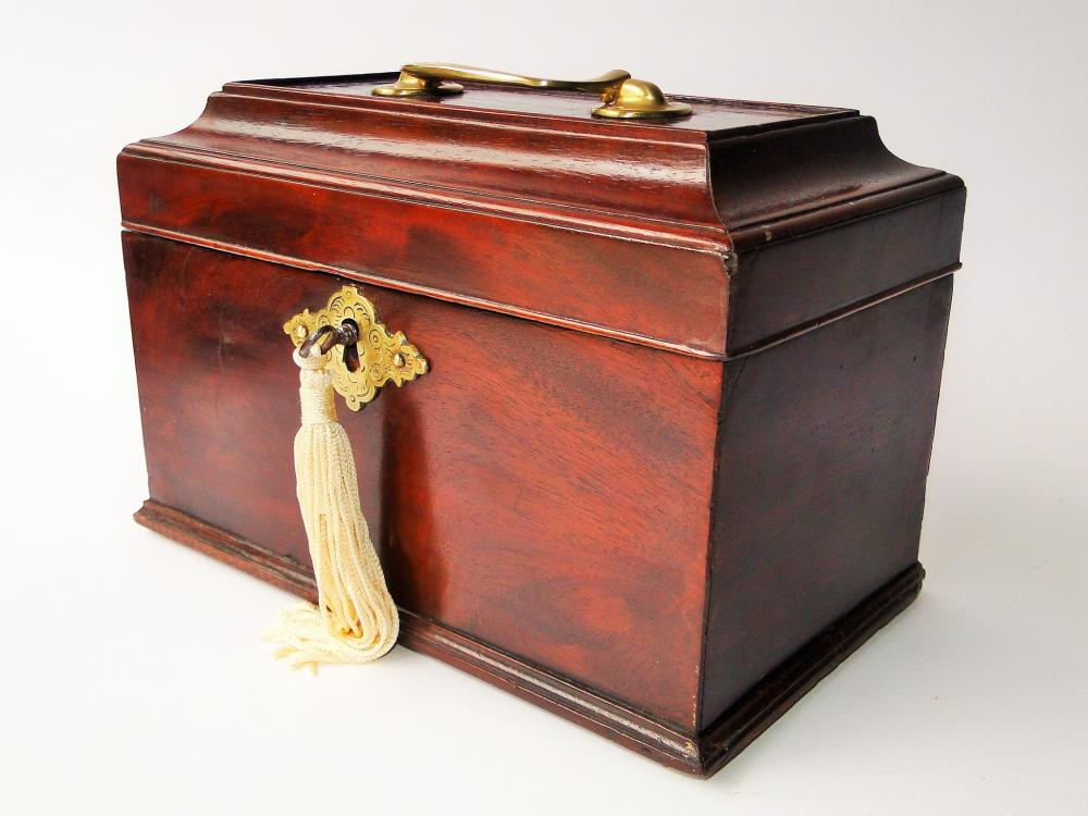 18TH C CHIPPENDALE TEA CADDY