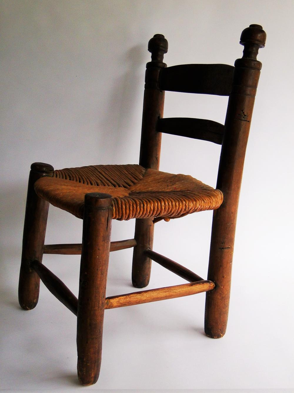 Lot 106: RARE PILGRIM CENTURY DIMINUTIVE CHILD'S CHAIR