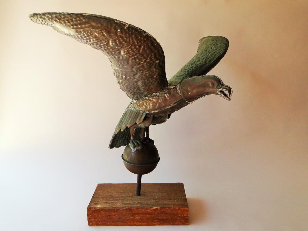 Lot 110: C 1940 COPPER EAGLE WEATHERVANE