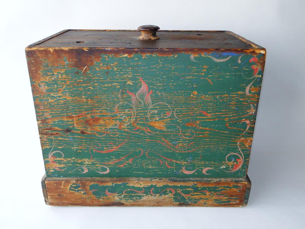 PRIMITIVE  PAINTED BOX BUTTER CHURN