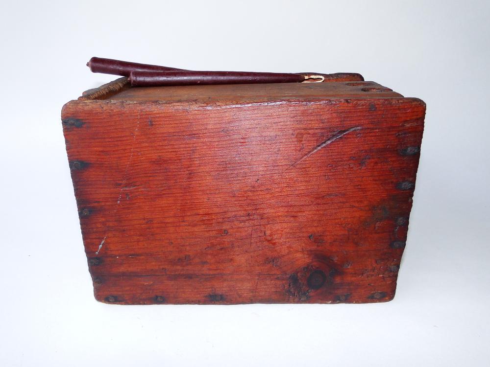 Lot 121: 19TH C PRIMITIVE CANDLE BOX