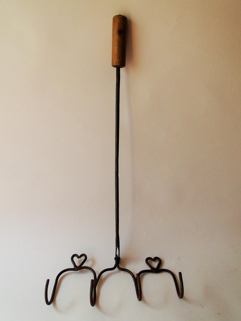Lot 129: 18TH C WROUGHT IRON BIRD ROASTER