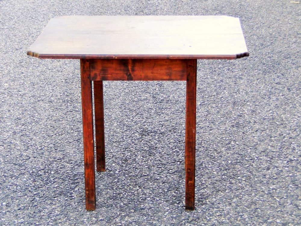 18TH C NEW ENGLAND TAVERN TABLE