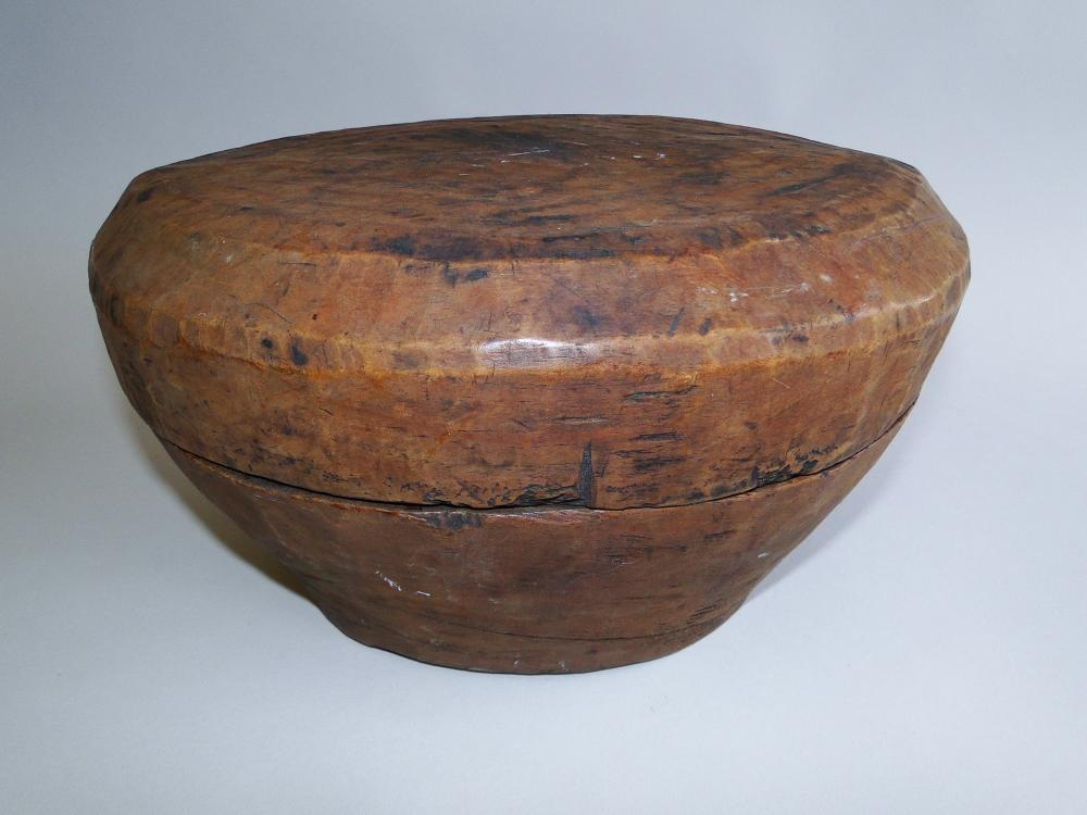 EARLY HAND CARVED COVERED BOWL