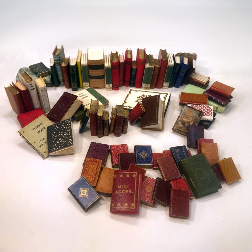 Assortment of Non-Artisan Miniature Books (Assortment A) Dol