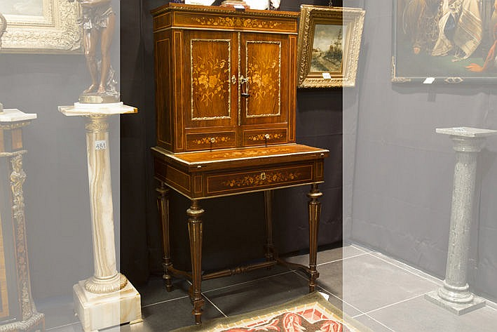 19th French Napoleon III-ladies' bureau in marquetry with fine mountings in guilded bronze
