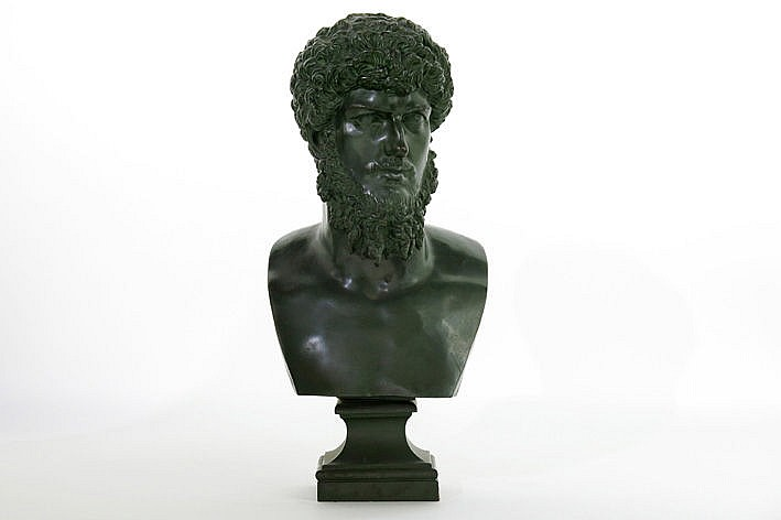 19th Century neoclassical sculpture in bronze with green patina