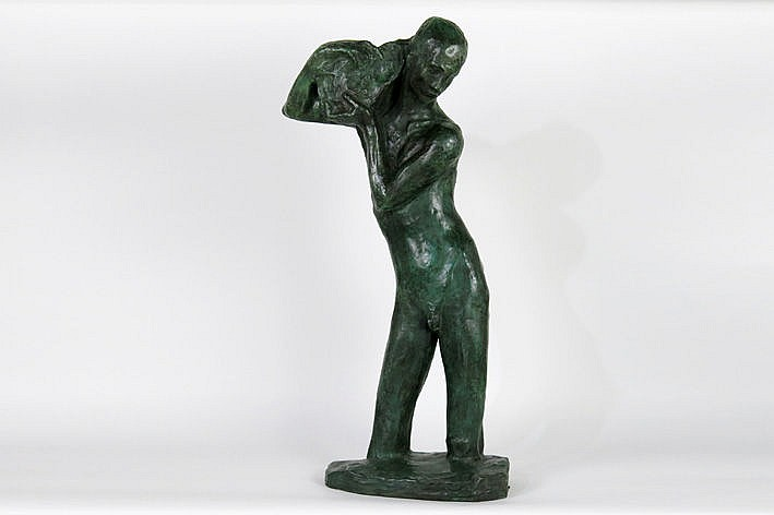 important sculpture in bronze with a dark green patina - signed