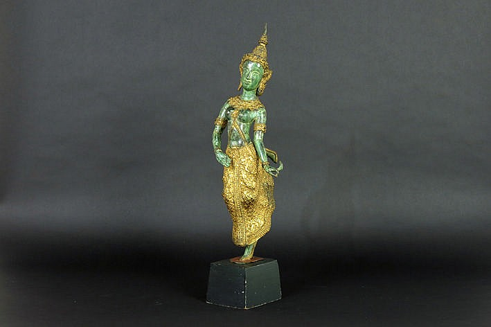 Siamese sculpture in green patinated and guilded bronze