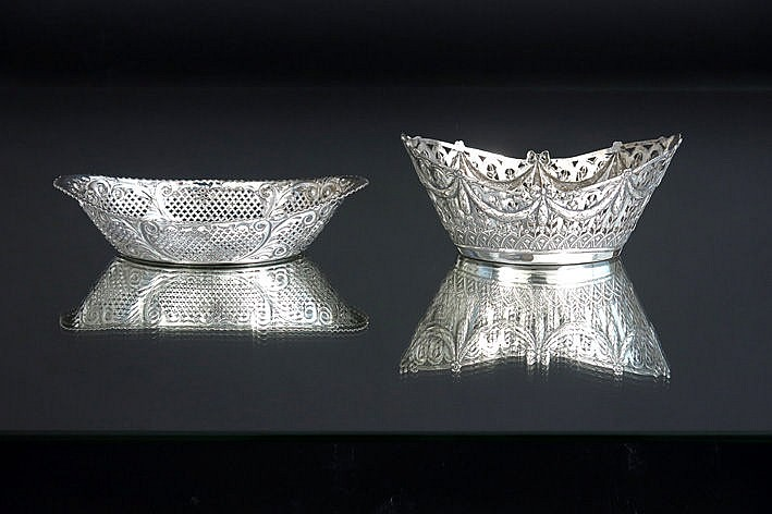 2 small baskets in marked silver