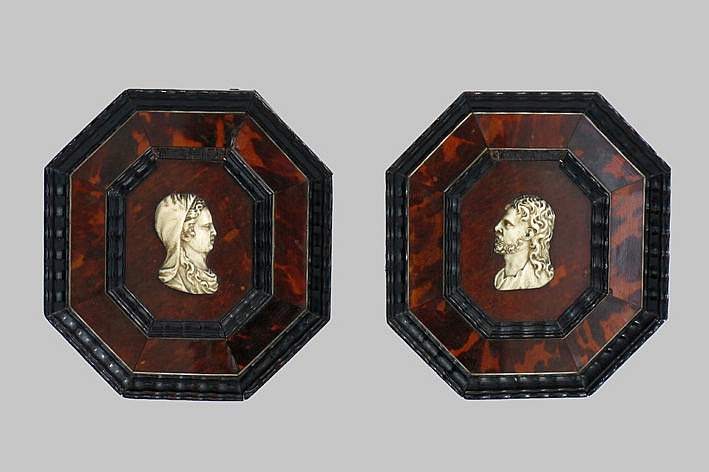17th/18th Cent. European pendant (�) with busts in ivory on tortoiseshell and ebony