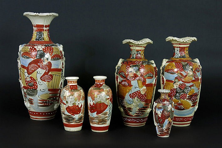 6 items in Japanese Satsuma earthenware with two pairs of vases a big and a smaller one