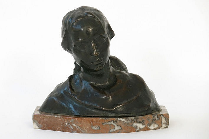 sculpture in bronze - signed