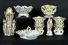 6 antique items in porcelain from Brussels
