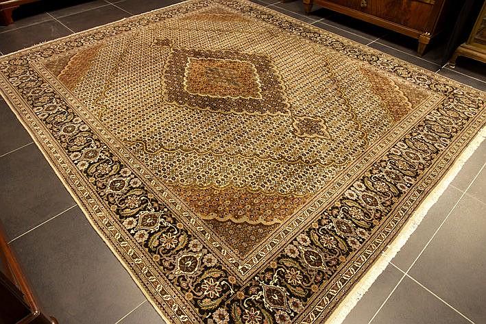 Persian Tabriz in wool and silk