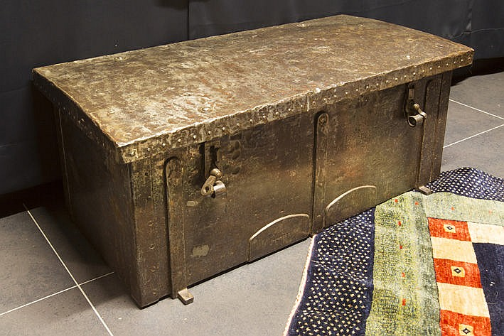 17th/18th Cent. Flemish chest in iron