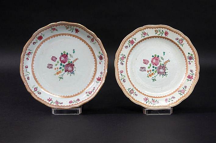 pair of 18th Century Chinese plates in porcelain