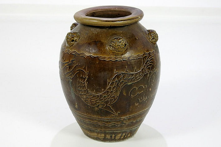 Chinese urn in enamelled earthenware