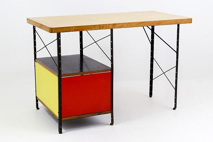 very rare vintage desk designed by Eames in 1950 for and realized by Miller in 1951 - in plywood of birch varnished steel and massonite - marked