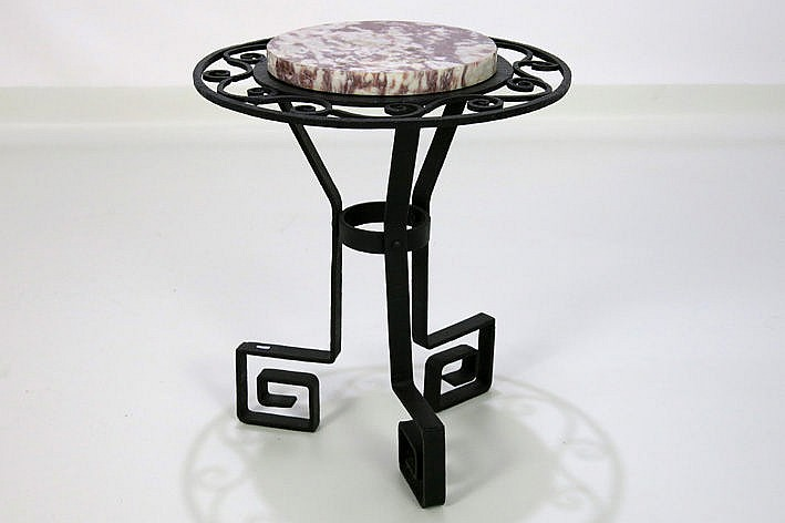 small Art Deco table in wrought iron with thick round marble top
