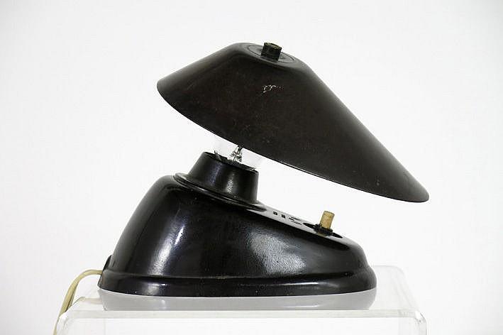 rare small Art Deco-lamp in bakelite with quite special design