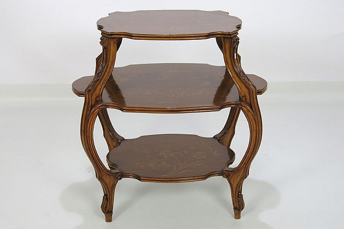 Art Nouveau-occasional table in marquetry
