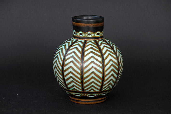 Art Deco-vase in marked ceramic