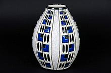 Art Deco-vase in marked and signed ceramic