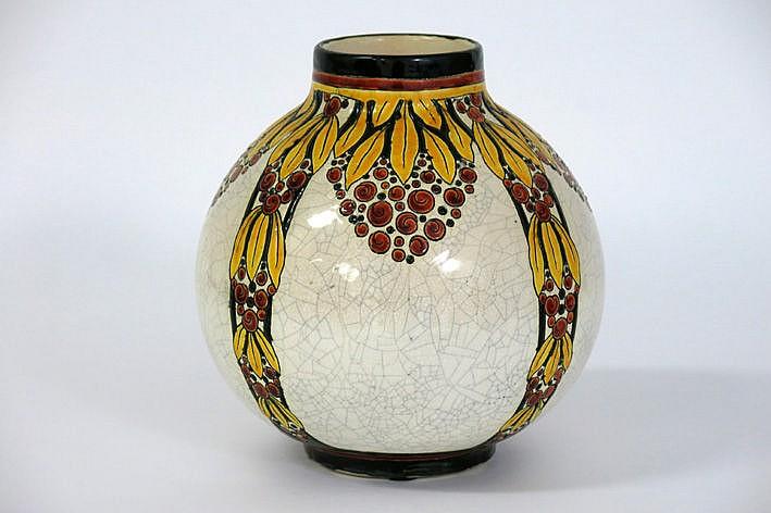 Art Deco-vase in marked earthenware